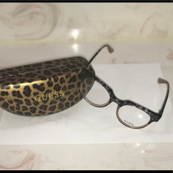 b0164d4bd24 Guess Accessories - Brand New Women s Glasses Guess !